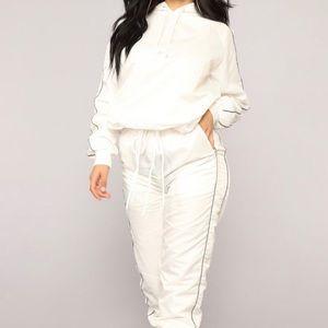 Fashion Nova Channing Flight Set (Size:M)